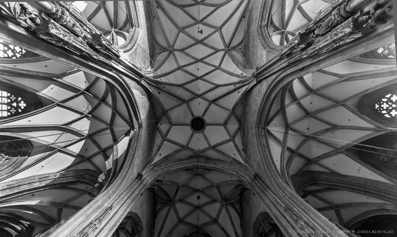 Stephanskirche dom innen Gewölbe Gothik